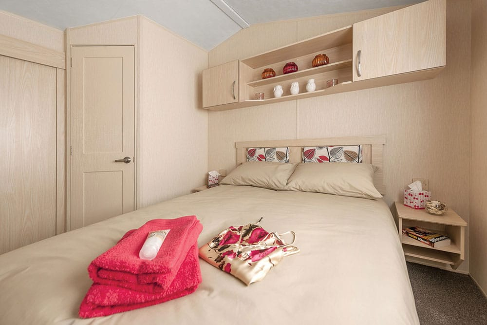 Lime Tree Holiday Park Facilities Caravan Main Bedroom