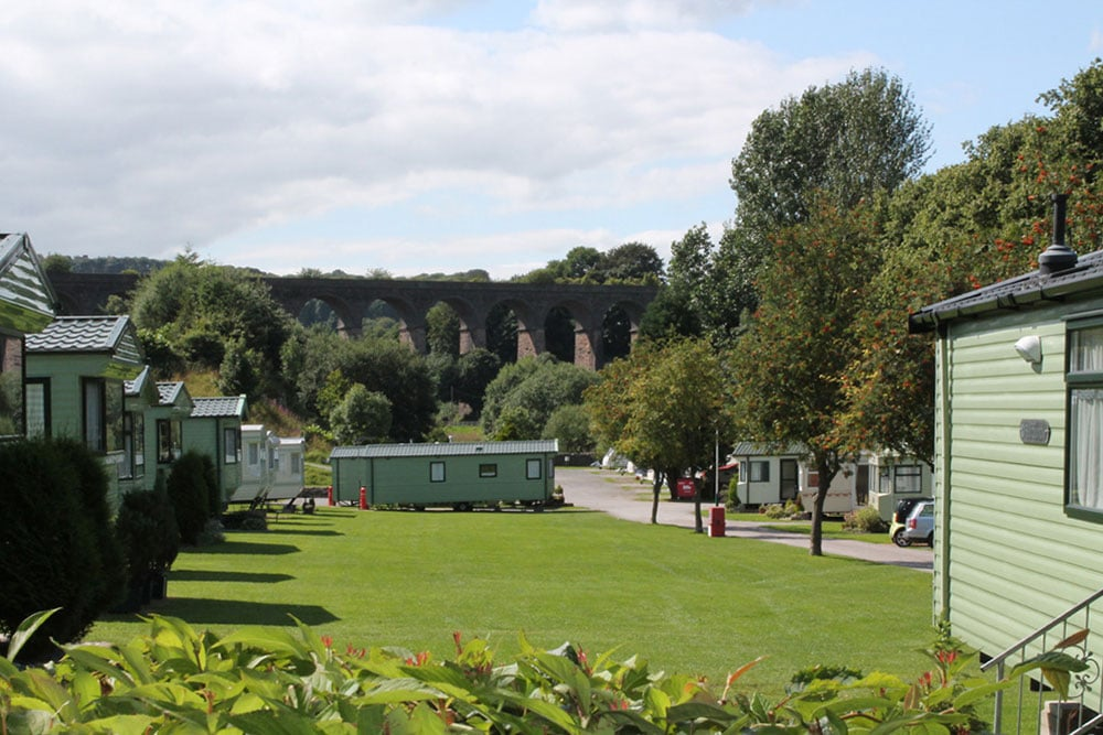 Self-catering caravans, lodge and apartments - Lime Tree Holiday Park Fleet Viaduct