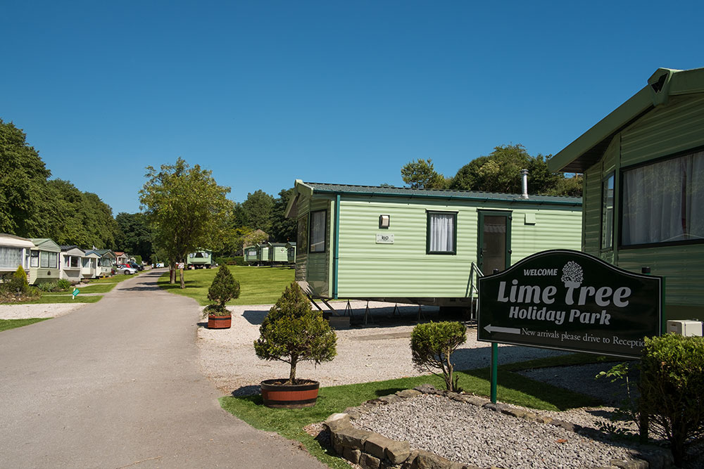 Self-catering caravans, lodge and apartments - Lime Tree Holiday Park 2582G